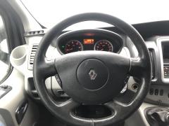Renault-Trafic-15