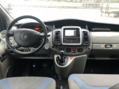 Renault-Trafic-30
